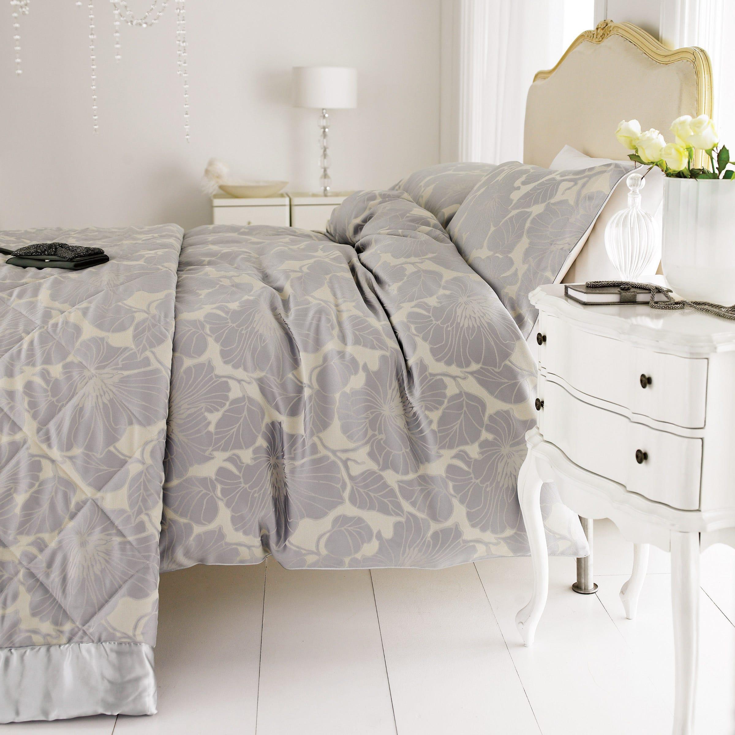 Bedeck Passion Silver Jacquard Bed Sets