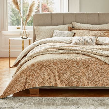 Agra Geometric Copper Bedding