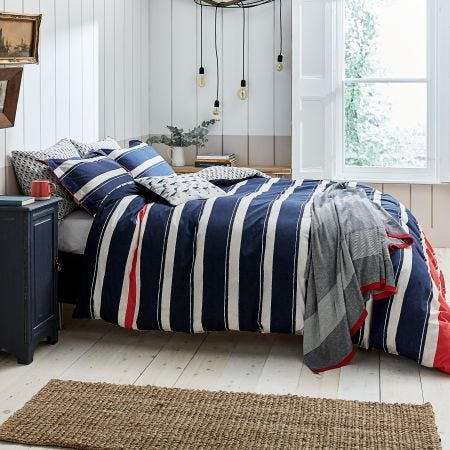 Galley Grade Stripe Duvet With Accessories