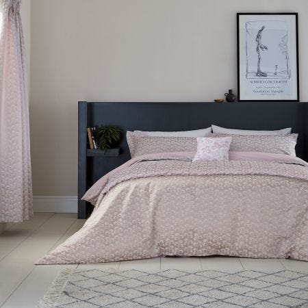 Mikkel Bedding Blush