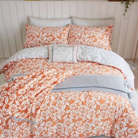 Tivoli Coral Hed of Bed.