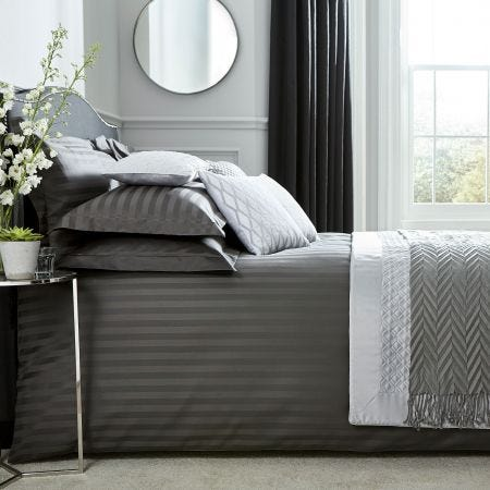 Paramount Graphite Bedding