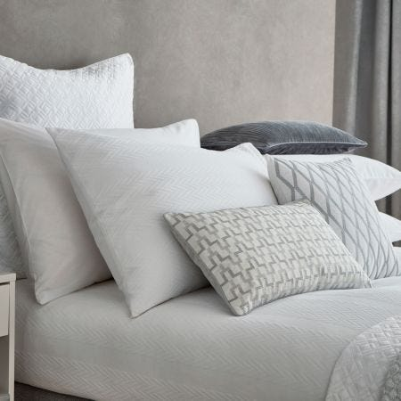 Blanca White Head of Bed Overview