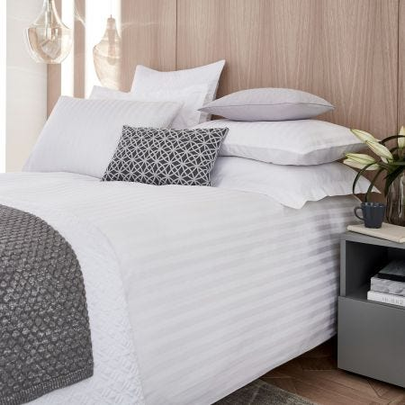 Alto Bedding White