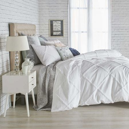 Chenille Lattice Bedding White
