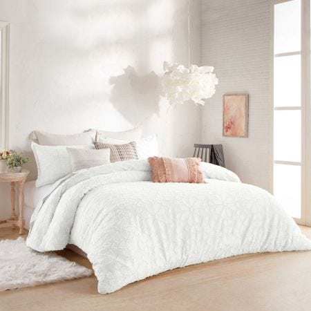 Clipped Floral Bedding White