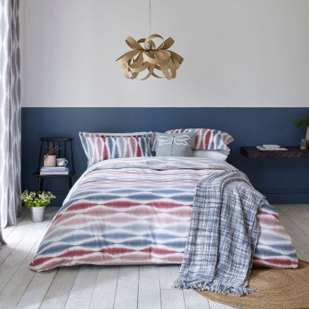 Usuko Red & Blue Bedding