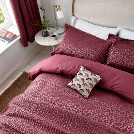 Cecila Berry Red Bedding