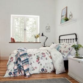 Joules Woodland Floral Bedding in Chalk