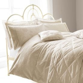 Ashbee Ivory Bedding