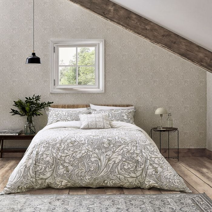 Traditional Patterned Bedding