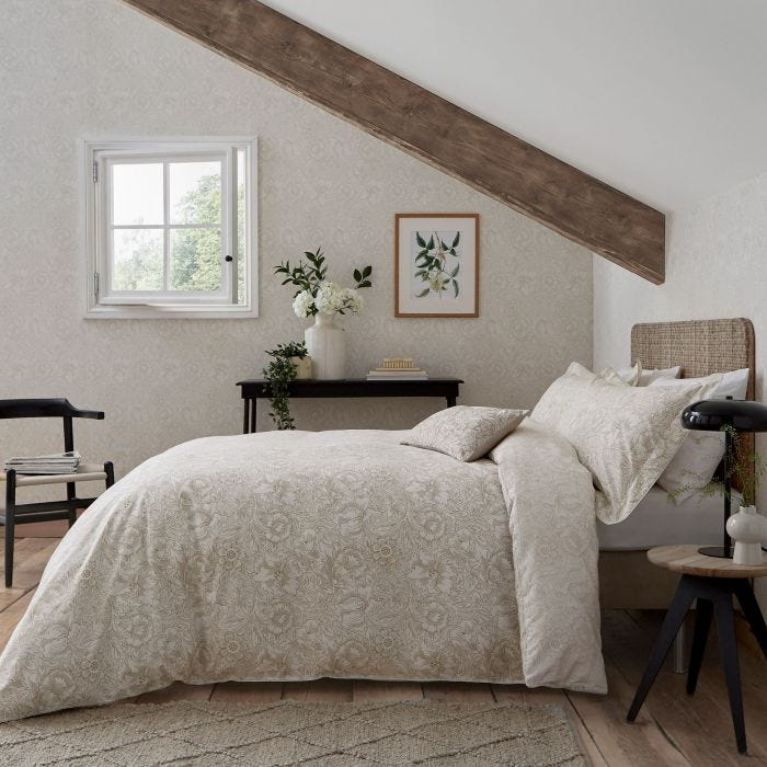 Linen Patterned Bedding by William Morris