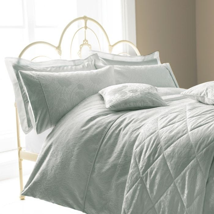 Ashbee Quilted Throw Kingsize Pale Blue