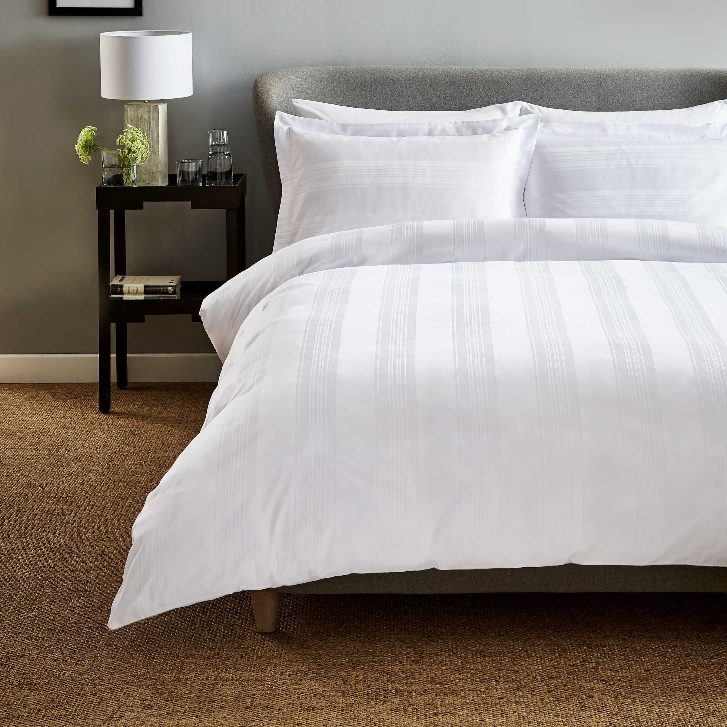 Hotel Bedding Empire Double Duvet Cover White