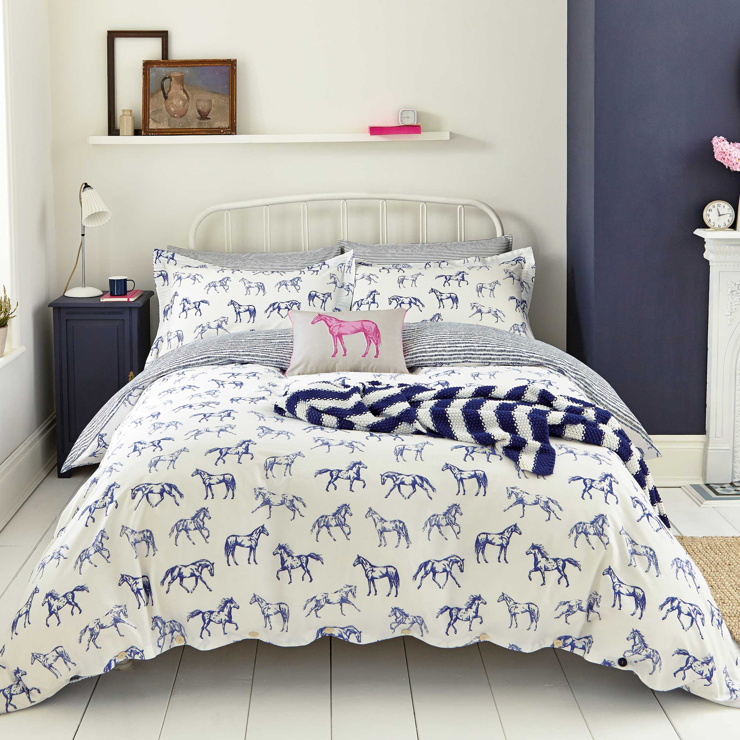 Joules Hand Drawn Horse Bedding in Blue