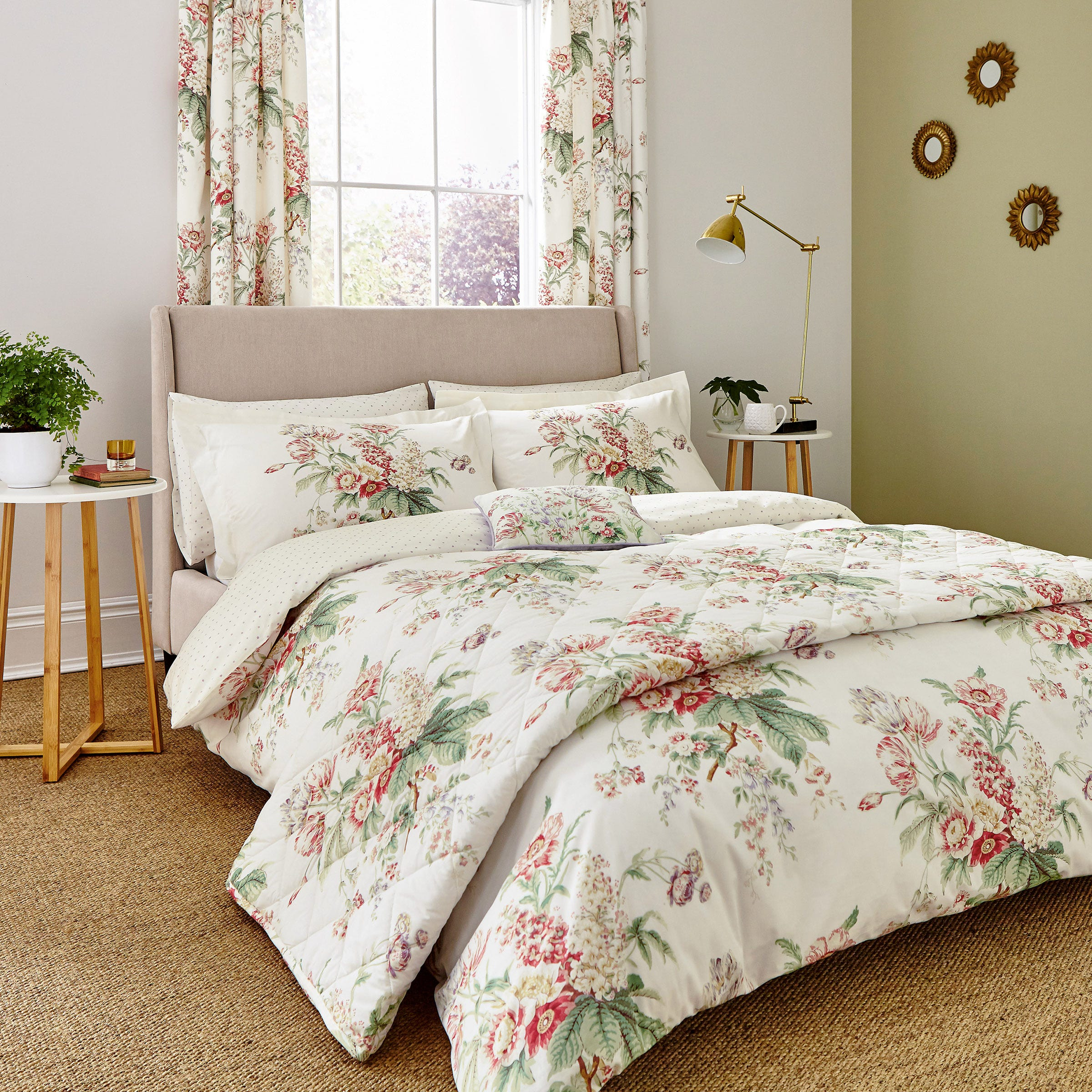 Sanderson Bedding Tournier Double Duvet Cover Strawberry