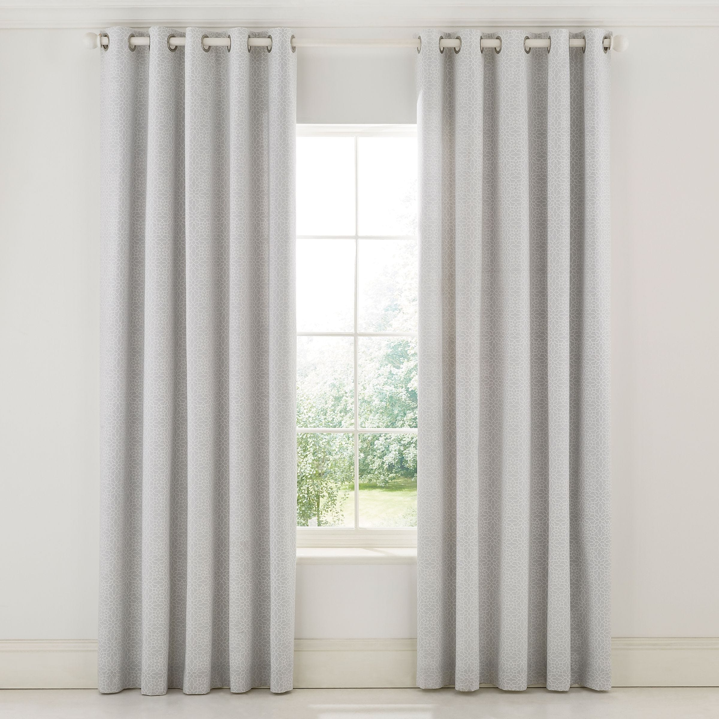 Sanderson Bedding Chiswick Grove Lined Curtains, Silver
